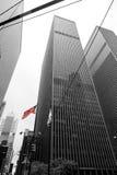 Augusr 2017 de New York City Etats-Unis 01 : Drapeaux américains sur les bâtiments dedans en centre ville, New York City, Etats-U Image stock