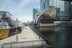 August 2017 a-Ansicht des großen einfachen Restaurants bei West-Indien Quay, London, England stockfotos