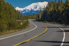 31. August 2016 - Berg Denali von George Parks Highway, Weg 3, Alaska - nördlich des Anchorages Lizenzfreie Stockfotografie