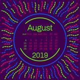 2019 August Calendar sida i den memphis stilaffischen för begreppstypografidesignen, lägenhetfärg Veckastarter på söndag Arkivfoto