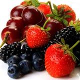 August-Früchte auf einem weißen Hintergrund lizenzfreies stockfoto