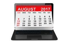 August 2017 Kalender über Laptopschirm Wiedergabe 3d Stockfotografie