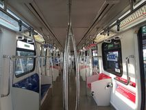 15. August 2016 Kuala Lumpur, ein Innereblick eines LRT-Zugs Stockbilder