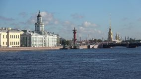 August-Morgen auf dem Neva St Petersburg, Russland stock footage