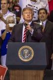 22. AUGUST 2017 PHOENIX, AZ U S Präsident Donald J Trumpf spricht mit Menge von Anhängern an 2020, US Präsident Stockfoto