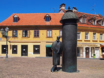 August Senoa-standbeeld in Vlaska-straat, Zagreb, Kroatië Stock Afbeeldingen