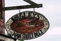 10. AUGUST 2018 - TALKEETNA, ALASKA: Nagely-` s Speicher, ein ikonenhafter Gemischtwarenladen in Alaska, ein populär mit Touriste lizenzfreie stockfotografie