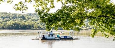 Augusta Kentucky Ferry Crossing Ohio-Rivier stock foto's