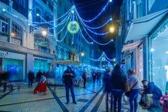Augusta straat met Kerstmisdecoratie, in Lissabon Stock Afbeeldingen