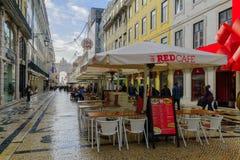 Augusta straat met Kerstmisdecoratie, in Lissabon Royalty-vrije Stock Afbeeldingen