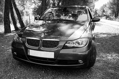 Augusti 2017: Mousserande grafit för BMW 3 serie E90 330i arkivbilder