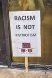 AUGUSTI 22, 2017, PHOENIX, AZ-RASISM ÄR INTE PATRIOTISMPROTESTTECKNET på Phoenix Convention Center, GÖR AMERIKA STOR IGEN, Pr arkivfoton