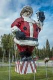 Augusti 26, 2016 - Santa Clause hälsar folk på nordpolen, Alaska söder av Fairbanks, Alaska - GLAD JUL Arkivfoton