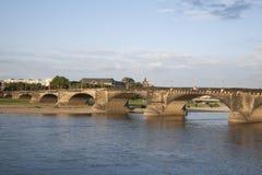 Augustus Bridge - Augustusbrucke, flod Elbe, Dresden fotografering för bildbyråer