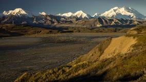 30 augustus, 2016 - de weg tot Polychome-Pas, het Nationale Park van Denali, Alaska Stock Foto