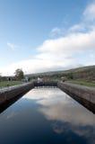 augustus fort blokuje odbicia niebo obraz stock