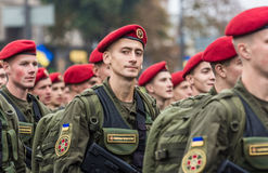 24 augustus, 2016 Kyiv, de Oekraïne Militaire parade voor Ukrainia Stock Foto