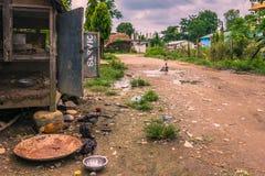 25 augustus, 2014 - Landelijke stad van Sauraha, Nepal Stock Afbeeldingen