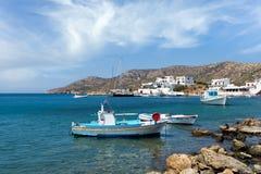 23 augustus 2017 - Lipsi-eiland, Griekenland - de schilderachtige haven van Lipsi-eiland, Dodecanese, Griekenland Royalty-vrije Stock Foto's