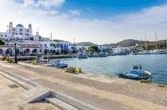 24 augustus 2017 - Lipsi-eiland, Griekenland - de schilderachtige haven van Lipsi-eiland, Dodecanese, Griekenland Stock Fotografie