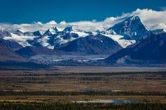 26 AUGUSTUS, 2016 - Meren van Centrale Waaier Van Alaska - leidt 8, Denali-Weg, Alaska, biedt een landweg overweldigende meningen Stock Foto