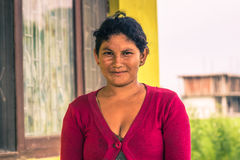 26 augustus, 2014 - Nepalese vrouw in Sauraha, Nepal Stock Foto