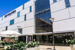 2 augustus, 2018 Palo Alto/CA/de V.S. - het warenhuis van Bloomingdale \ 's in openluchtstanford shopping mall wordt gevestigd da royalty-vrije stock foto's