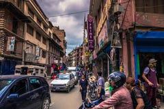 19 augustus, 2014 - Straten van Katmandu, Nepal Stock Fotografie