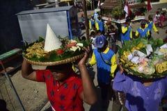 Aumône de mer en tant qu'étant pêcheurs Tambaklorok Semarang de gratitude image stock