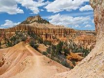 Aumento del canyon di Bryce fotografie stock libere da diritti