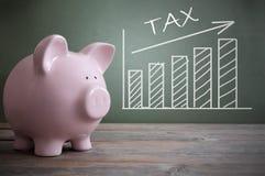 Aumento del impuesto Imágenes de archivo libres de regalías