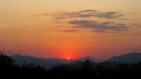 Aumento del sole di primo mattino a itanagar, Arunachal Pradesh Immagine Stock Libera da Diritti
