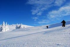 Aumento in montagna di inverno Immagini Stock Libere da Diritti