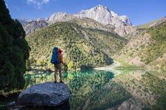 Aumento in montagne di Fann fotografia stock