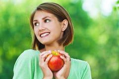 äpplevegetariankvinnor Royaltyfri Fotografi