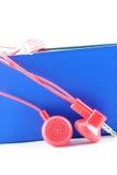 Auriculares atados con alambre rojo Fotos de archivo