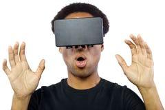 Auriculares da realidade virtual no homem preto imagens de stock royalty free
