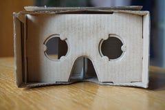 Auriculares da realidade virtual (olho-desgaste) com as lentes óticas Fotos de Stock Royalty Free