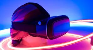 Auriculares usables de la realidad virtual de VR Imagen de archivo libre de regalías