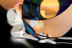 Auriculares y dvd Fotos de archivo