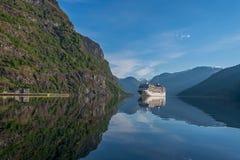 Aurland-Fjord bei Norwegen Lizenzfreies Stockfoto