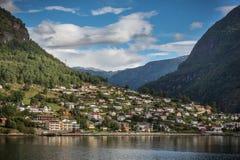 Aurland no Naeroyfjord de Noruega Foto de Stock