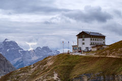 Auronzo refuge and Cadini di Misurina range Royalty Free Stock Photography