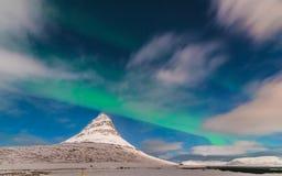 Aurora über Kirkjufell Grundarfjörður, Icelan Lizenzfreie Stockbilder