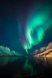 Aurora boreal acima dos fiordes Fotografia de Stock Royalty Free