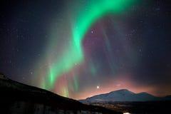 Aurora boreal durante a noite ártica Fotografia de Stock Royalty Free
