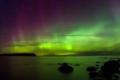 Aurora boreal 03 11 15, o Lago Ladoga, Rússia fotos de stock royalty free