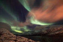 Aurora boreale sopra Ersfjord, Norvegia fotografia stock