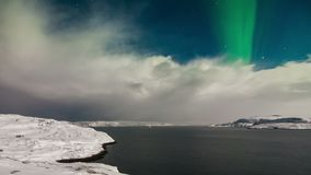 Aurora borealis acima do mar de Barents filme
