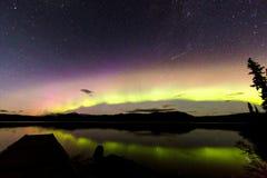 Aurora Borealis Green y púrpura fotos de archivo
